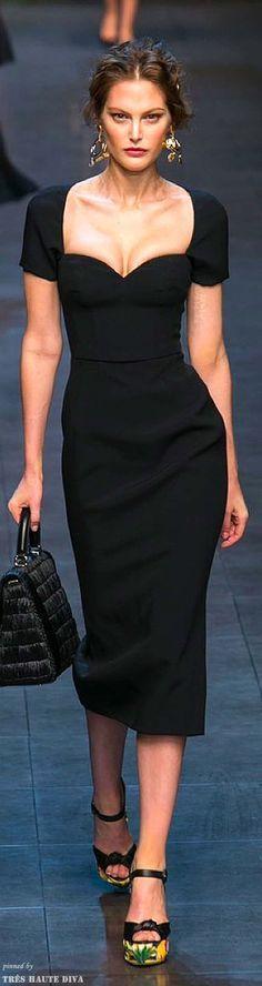 479c78a12e0 Dolce   Gabbana SS 2014 Más Cocktail Dress ...