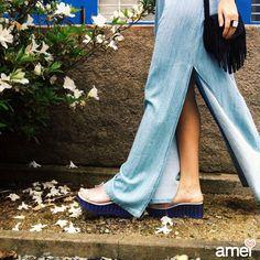 Saia longa jeans com racho nas laterais e tamanco @melissaoficial  #lojaamei #saialonga #jeans #melissa #melissadodia #donnajelly #verao