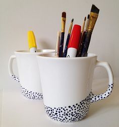 Dipped Dot Mugs Tutorial by Mandy Pellegrin / Fabric Paper Glue