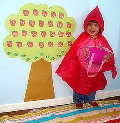 Oi geente!   Hoje trouxe uma sequencia de atividades para Chapeuzinho Vermelho para Educação Infantil!   Teatro da Chapeuzinho Vermelho ...