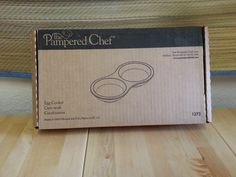 "$16.00  PAMPERED CHEF STONEWARE MICROWAVE EGG COOKER PAN NEW 12"" LONG"