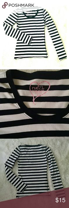 Rue 21 black and white striped top S Black and white striped long sleeve crew neck t shirt. In very gently used condition. White is very bright, no signs of wear. Comes from a smoke free, pet free home. Rue 21 Tops Tees - Long Sleeve