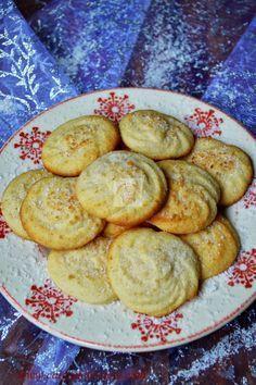fursecuri fragede cu unt si cocos Baby Food Recipes, Vegan Recipes, Dessert Recipes, Cooking Recipes, Dessert Ideas, Good Food, Yummy Food, Romanian Food, Cake Cookies