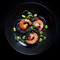 Nero linguine with prawns and broad beans by @pmroz74 ⭐️ more culinary inspirations on Cookniche.com