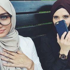 Deen adlı kullanıcının love panosundaki pin hijab fashion, a Muslim Fashion, Hijab Fashion, Modest Fashion, Modest Outfits, Cosy Outfit, Casual Hijab Outfit, Muslim Girls, Muslim Women, Hijabs