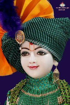 Lord Krishna Images, Radha Krishna Pictures, Krishna Photos, Cute Krishna, Epoxy Resin Art, Krishna Wallpaper, Durga Goddess, Hindu Deities, Radhe Krishna