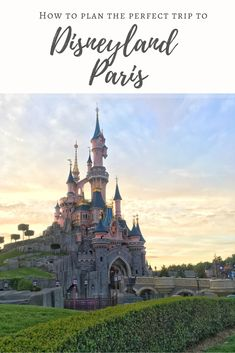 The perfect free guide to your dream Disneyland Paris trip. Hacks on planning, saving money, transport and more. Trips To Disneyland Paris, Day Trip From Paris, One Day Trip, Disney Calendar, Disney Toms, Walt Disney Studios, Paris Travel, Plan Your Trip, Barcelona Cathedral
