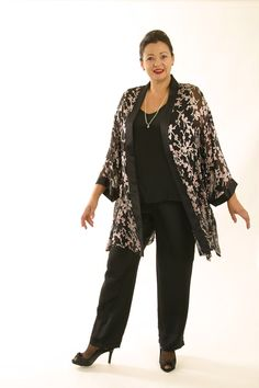 Plus Size Special Occasion Jacket Silk Pink Black Madam Butterfly Kimono : Mother Of The Bride Jackets, Mother Of The Bride Plus Size, Mother Of The Bride Dresses Long, Unique Clothes For Women, Plus Size Fashion For Women, Plus Size Women, Plus Size Gowns, Plus Size Outfits, Black Madam