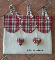 Tutorial copriforno - Benvenuti su fulviahandmade! Curtain Drops, Sewing Projects, Projects To Try, Diy And Crafts, Arts And Crafts, Etsy Fabric, Fabric Crafts, Shabby Chic, Creations