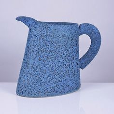 This latest auction of studio pottery and contemporary ceramic art was the largest to date with over 260 lots and included an edited selection from. Contemporary Ceramics, Vases Decor, Ceramic Pottery, Bone China, Stoneware, Tea Pots, Porcelain, British, Tasty