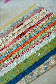 Very easy beginner quilt tutorial - clear instructions on how to baste and quilt in the ditch.