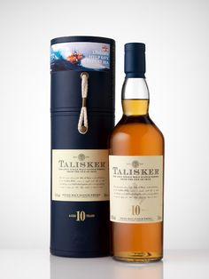 Talisker 10 Years Old Single Malt Scoth Whisky Good Whiskey, Cigars And Whiskey, Scotch Whiskey, Bourbon Whiskey, Whiskey Bottle, Fun Drinks, Alcoholic Drinks, Cocktails, Tequila