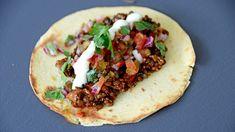 Chipotle bygg- og linsetaco, pico de gallo og vegansk majones