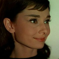 Which Classic Hollywood Actress Are You? - Which Classic Hollywood Actress Are You? You got: Audrey Hepburn Charismatic, vivacious, and with - Audrey Hepburn Funny Face, Style Audrey Hepburn, Funny Face Gif, Funny Faces, Fred Astaire, Classic Hollywood, Old Hollywood, Star Wars, Film