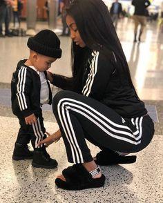 Think I/'m cute voir mon bébé momie l/'alimentation Bib Cadeau