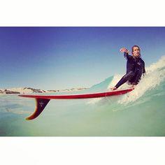 fin first longboard surf