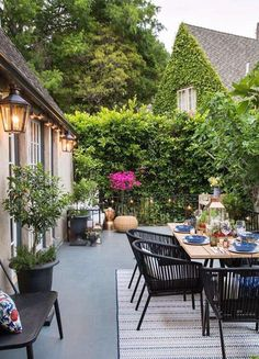 Cozy dining place in the garden