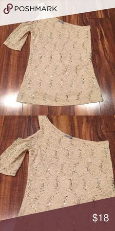 Charlotte Russe Cold Shoulder Top Medium Like new Charlotte Russe cold shoulder shirt! Size medium! Beautiful shirt! Check out my closet too Charlotte Russe Tops Blouses