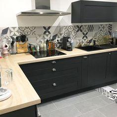 design de interior de cozinha com ilha - design de interior de cozinha Kitchen Interior, New Kitchen, Room Interior, Kitchen Dining, Kitchen Decor, Black Kitchens, Home Kitchens, Kitchen Black, Kitchen Splashback Tiles