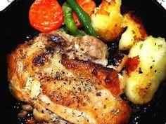 ☆スキレットでパリパリチキンソテー☆お店の画像 Cafe Menu, Chicken Recipes, Pork, Food And Drink, Cooking Recipes, Meat, Dinner, Skillet, Japan