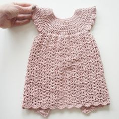 Hæklet kjole, str. 3-6 mdr. // Crochet dress for babygirls