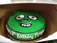 Minion pig cake