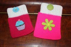 Handmade by Alpenkatzen Drink Sleeves, Christmas Stockings, Holiday Decor, Handmade, Home Decor, Breien, Homemade Home Decor, Hand Made, Craft