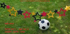 Annies Stempelstübchen Sternengirlande als WM Dekoration Soccer Party, Soccer Ball, Party World, World Cup, Stampin Up, Banner, Bunting, Gold, Garlands