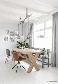 https://i.pinimg.com/236x/e1/1c/d0/e11cd085bdb951910880b23125f14682--dining-room-bench-kitchen-dining.jpg