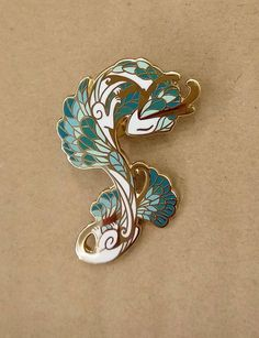 serpent-white-pin