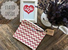 19x22cm_chrismas present_makeup bag_graphic_pink Travel Bag, Cosmetic Bag, Diaper Bag, Pink, Fabrics, Presents, Beautiful, Makeup, How To Make