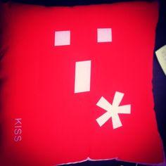 #kiss #cushions #furniturehunters