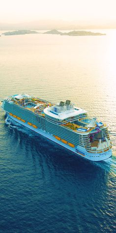 Symphony of the Seas, a perception remixing, memory maxing mic drop. Our newest, biggest cruise ship with all the greatest hits, plus revolutionary new firsts. Start your next vacation adventure here. Symphony Of The Seas, Harmony Of The Seas, Royal Caribbean International, Royal Caribbean Cruise, Around The World Cruise, Cruise Ship Pictures, Biggest Cruise Ship, Luxury Yacht Interior, Yacht Boat