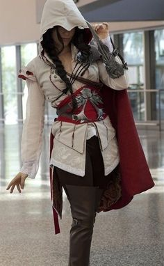 """WANT. T.T Women's """"Assassin's Creed"""" costume"""
