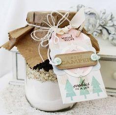 Presentes de comer em potes de vidro reutilizados