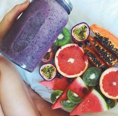 Fruits and Blueberry Smoothies! Smoothies, Healthy Snacks, Healthy Eating, Breakfast Healthy, Healthy Fruits, Nutritious Meals, Healthy Drinks, Clean Eating, Fruits And Veggies
