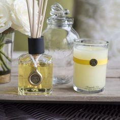 Sweet Fragrance on #mossmountainfarm #aromatique #honeysuckle #joy #gardenhome #shopPAllen #farmchic