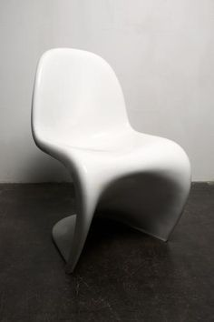 This White Chair Was Designed By Verner Panton And Produced By Herman  Miller/Fehlbaum In 1971. It Is Made From ABS And Has Been Professionally  Re Lacquered.