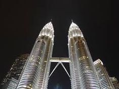 The Petronas Twin Towers in Kuala Lumpur Malaysia is a sight to behold! It is definitely a must-see on your vacation itinerary and worthy to be considered as. Kuala Lumpur, Have A Great Vacation, Great Vacations, Twin Towers, Malaysia Tour, Malaysia Travel, Travel Specials, Hotel Stay, Viajes