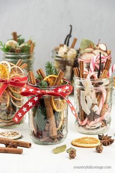 See how to make a DIY stovetop potpourri gift that make your house smell like Christmas. Dry potpourri recipes are wonderful homemade holiday gift ideas. Christmas Gifts For Coworkers, Christmas Jars, Homemade Christmas Gifts, Handmade Christmas, Christmas Holiday, Homemade Christmas Decorations, Diy Holiday Gifts, Outdoor Christmas, Christmas Lights