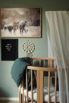 Grønt og skjønt barnerom - LADY Inspirasjonsblogg Newborn Room, Baby Room, Room Lights, Kids Furniture, Nursery, Frame, Green, Lady, Home Decor