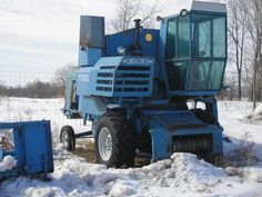 ford combines | Antique Tractors - 1962 Ford 622 Combine