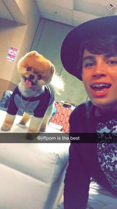 hayes grier with jiffpom via snapchat!!!!!!!!! OMG Hayes I want your outfit sooo badly you can just send it in the mail. OHHHHHHH with you in it!!! I need a model!!!!!!!!!