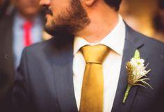 Accessories, Fashion, Bridal Accessories, Engagement, Flowers, Moda, Fashion Styles, Fashion Illustrations, Fashion Models