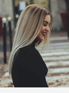 Black blouse for the winter - # - Haar İdeen - ombre haare Pretty Hairstyles, Straight Hairstyles, Blonde Hair Looks, Blonde Highlights, Balayage Hair, Dyed Hair, Hair Inspiration, Short Hair Styles, Hair Cuts