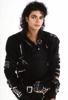 Michael Jackson King of Pop! Michael Jackson Wallpaper, Michael Jackson Kunst, Michael Jackson Images, Michael Jackson Bad Era, The Jackson Five, Skai Jackson, Jackson Family, Mike Jackson, Invincible Michael Jackson
