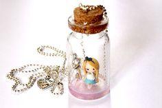 Alice au pays des merveilles collier de bouteille par GRECOLINA