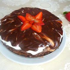Bezlepkový Míša dort s jahodami krok za krokem - Vaření.cz Pudding, Food, Custard Pudding, Essen, Puddings, Meals, Yemek, Avocado Pudding, Eten