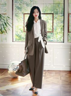 Office Outfits Women Casual, Korean Casual Outfits, Korean Outfit Street Styles, Cozy Fashion, Fashion Outfits, Korean Fashion Work, Stylish Dress Designs, Office Looks, Formal