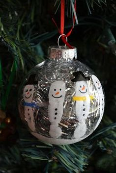 Super cute ornament this would be a great gift to give parents simple handprint snowman keepsake ornament i bet this would work as a family project as wella new one each year to see the kids snowman grow solutioingenieria Images